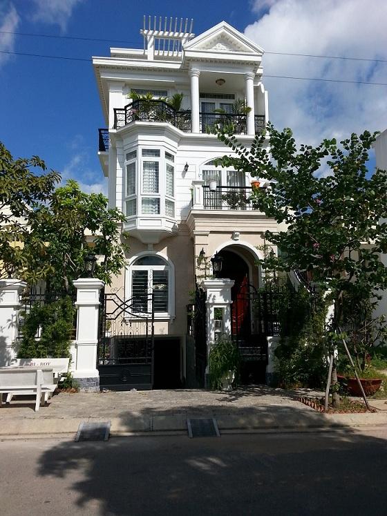 Nhà phố căn góc Cityland Garden Hills